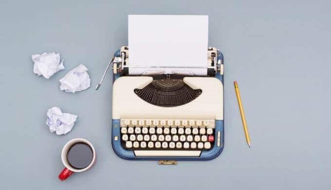 執筆速度が平均より圧倒的に早い2人の小説家(西尾維新と森博嗣)