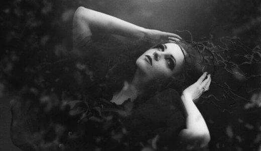 血と灰の女王が面白い。ヴァンパイアと灰色の善悪【感想・考察】