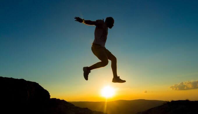 【痩せるならコレ】全身運動バーピーのやり方と注意点まとめ【HIITでダイエット】