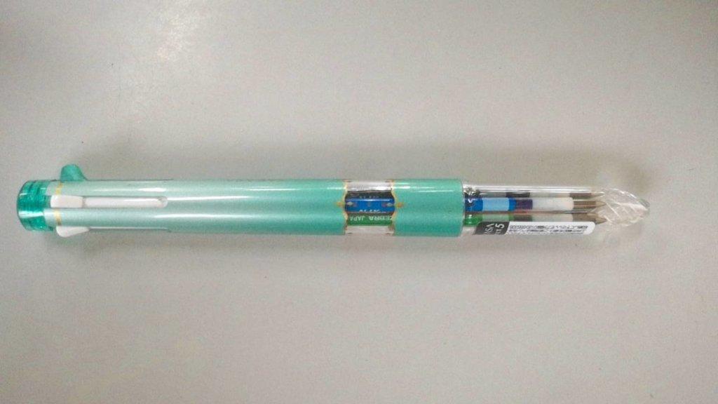 多色ボールペン