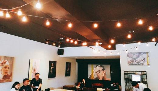abacaカフェ店内はオシャレ