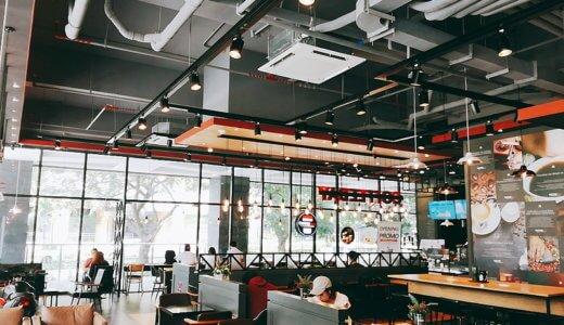 セブのITパーク内にあるカフェ COFFEEBAYは店内が広い